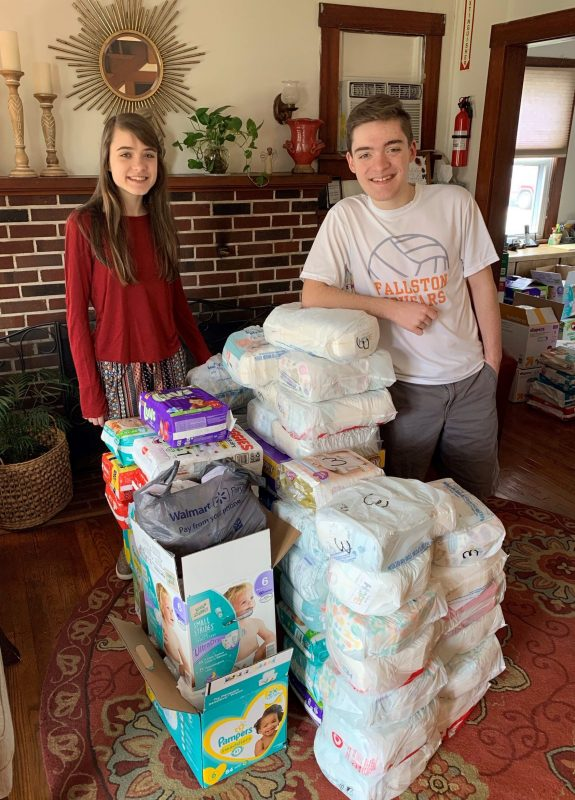 students with donations for Birthright